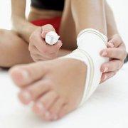 脚踝扭伤四步急救法